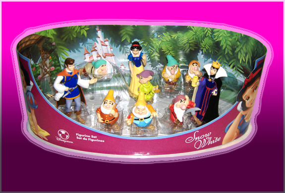 Snow White Cake Pan. Snow White And the 7 Dwarfs
